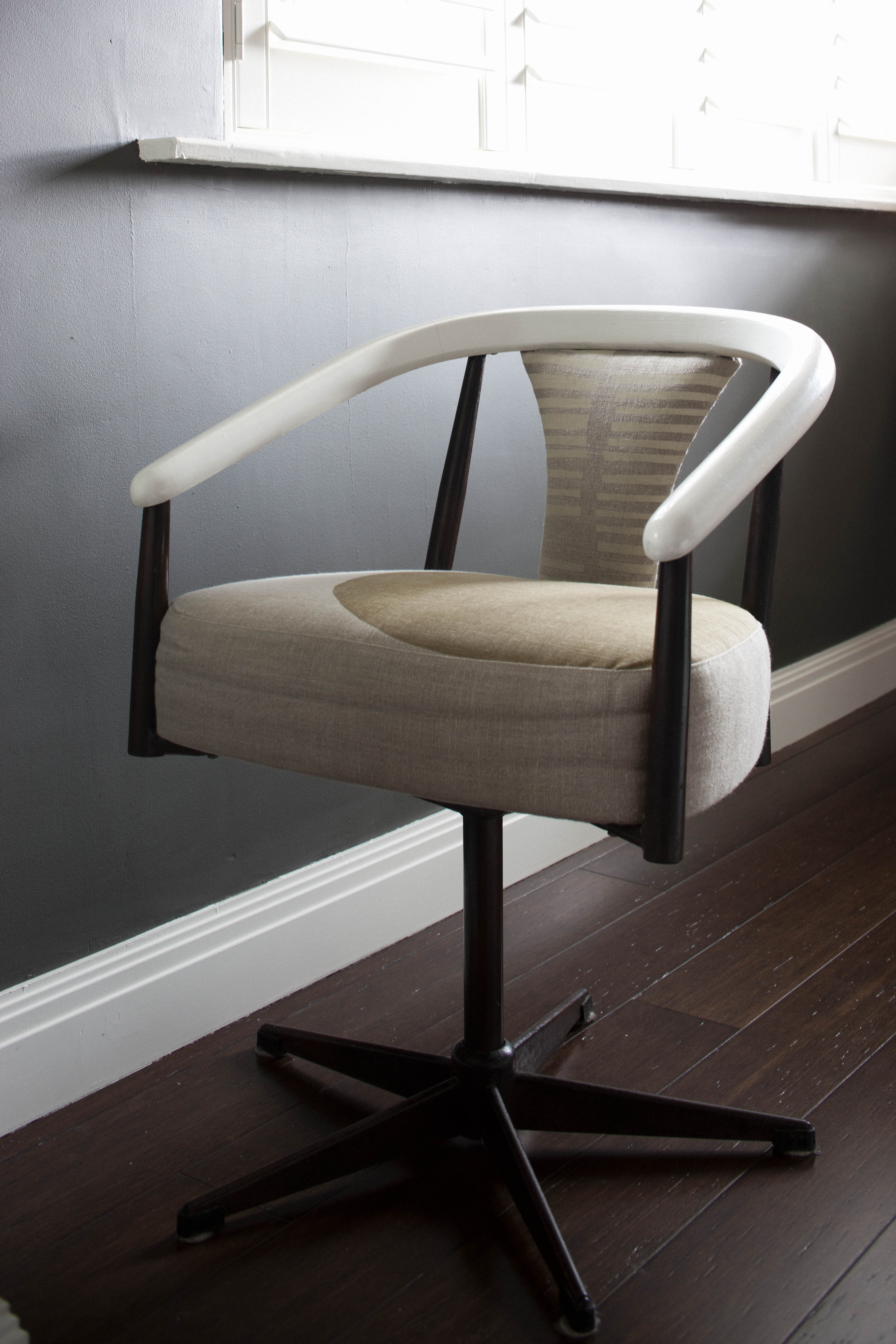 custom-upholstery-in-cloth-fabric-by-kate-connors-interiors