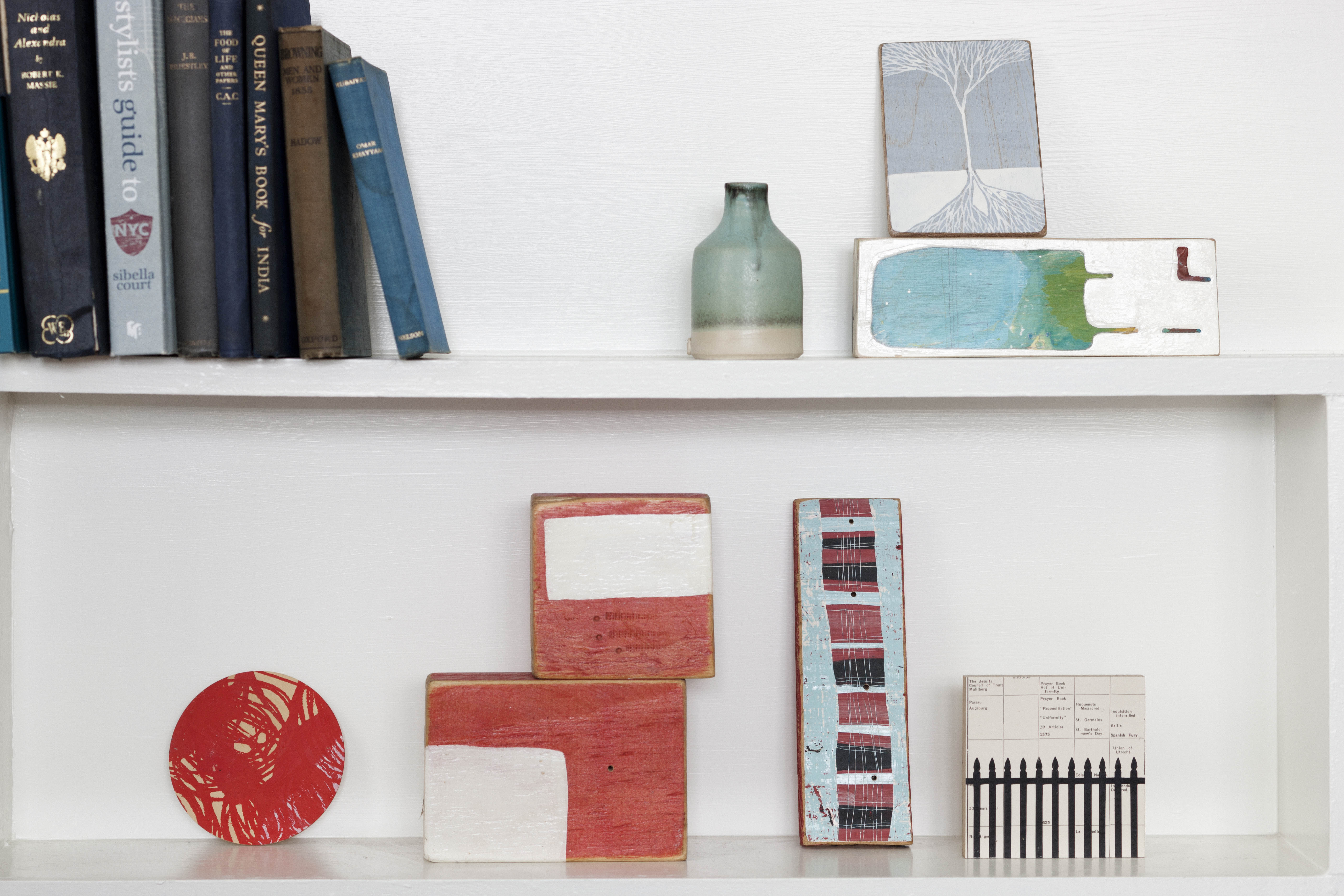 Bellevue-hill-bookshelf-detail-by-kate-connors-interiors